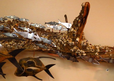 Long-driftwood-sculpture-3